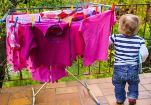 Pink, pink, pink sind alle meine Kleider, weil ich ein Mädchen bin!