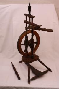 Ein Spinnrad, aus der Sachkultursammlung des Ludwig-Uhland-Instituts für Empirische Kulturwissenschaft der Universität Tübingen.